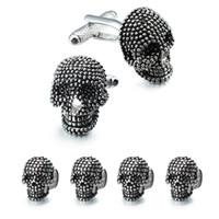 mens siyah kol düğmeleri toptan satış-Trendy Kafatası Tasarımcı Kol Düğmeleri Çiviler Set Erkek Beyaz Smokin Gömlek Takı Aksesuarları Parti En Iyi Hediye Siyah Emaye Kol Düğmeleri