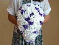 ingrosso fiori di cascata viola-bouquet da sposa bianco e viola bouquet da sposa Bouquet sposa a goccia con diamanti e perle ramo de novia