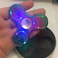 Les plus récents LED Lights Fidget Spinner Bluetooth Music Hand Spinner Luminous Glow Metal Fidget Toys Focus EDC Gyro Toys