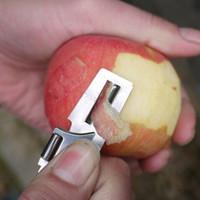 manzana a través al por mayor-Creativo Mini Multifunción de Dos Vías Cuchillo de la Fruta Manzana Pelador Vegetal Almuerzos Abrelatas Portátiles Pluripotente Herramienta de Cocina