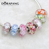 DORAPANG 2017 New Fashion Branelli Allentati 925 Sterling Silver Sette Colori Fiore Opzionale Glass Charm Bead Fit Braccialetto Europeo Regalo 0056-0063