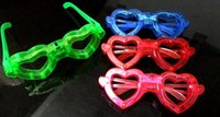 schmetterling geformte brille großhandel-Vielzahl von bunten herzförmigen Licht emittierende Gläser Bar Gläser Flash Pentacle Butterfly Maske Großhandel Konzerte