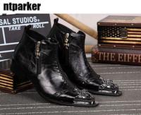 estilo italiano botas homens venda por atacado-Edição limitada de Estilo Italiano Ankle Boots De Couro para Homem Moda Rock Punk Rivet Toe Ankle Boots Botas Pontas Homem