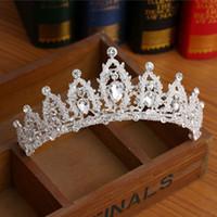 ingrosso cappelli da sposa-Nuovi cristalli vintage Diademi e corone da sposa per matrimonio 2017 Lussuoso perline Sposa copricapo Accessori Immagine reale Compleanno corona