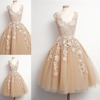 Wholesale Special Occasion Tulle Dresses - Champagne Short Homecoming Dresses 2017 Sexy V Neck Special Occasion Party Dress Club Wear Knee Length Cocktail Prom Gowns