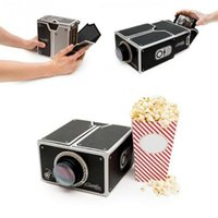 Smartphone Projector 2.0 Cardboard Mini Smartphone Projetor Luz ajustável Mobile Phone Projector Portable Cinema Para iphone 6 plus