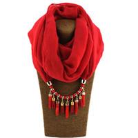 diseños acrílicos al por mayor-Nuevo diseño de bufandas infinitas Pañuelo de cuello de lino y lino Perlas de acrílico colgante bufanda bufandas para las mujeres