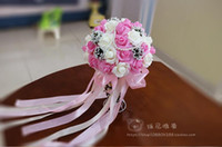 hot pink braut blumenstrauß groihandel-2018 große Neue Hochzeit Bouquet Kristalle Perlen Silk Rose Künstliche Dekoration Rosa Lila Rot Günstige Braut Mit Brautjungfer Blumen Heißer