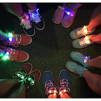 Mode Hommes Femmes Light Up LED Shoelaces Partie Glowing Nuit Chaussure de course Laces Club Highlight Luminous Shoelace