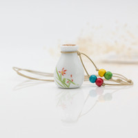 Wholesale Indian Favor - Cute Ceramics Small Bottles Dry Perfume Jars Necklace Fashion Jewelry Perfume Pendant Necklace Women Favor Christmas Gifts ZH0432