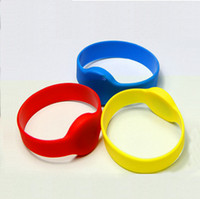Wholesale Rfid Chips - Wholesale- T5577 Chip Waterproof Silicone 125KHz RFID Wristband