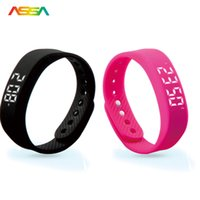 Venta al por mayor nuevo Smartband Podómetro saludable Smart Wristband Smart LED Wearable Dispositivos Fitness Tracker Deportes Smart Bracelet Teléfono