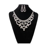 Wholesale Fashion Austrian Crystal Wedding Jewelry Set Flower shaped Statement Necklaces Earrings Sets for Bridal