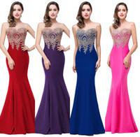 diseñador vestido de encaje rojo al por mayor-Sexy Sheer Neck Sin mangas Diseñador Vestidos de noche Sirena de encaje Apliques Vestidos de fiesta largos Alfombra roja Vestido de dama de honor menor de 50