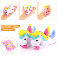 Finger Toys Jumbo Cool Unicorn Squishies Unicorn pour stress relaxant Baby Toy Vivid Strawberry Cake Squishy Slow Rising Press 10s-15s A