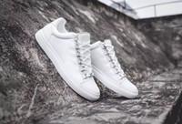 zapatos de vestir de hombre de cuero gris al por mayor-Zapatillas de deporte Arena de calidad superior Zapatos de cuero genuino Kanye West Zapatillas de deporte de los hombres al aire libre Casual Vestido de fiesta Negro, Rojo, Blanco, Gris, Azul