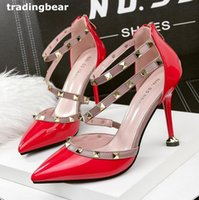 Barato Saltos Stra-strappy-Sexy Ladies Red Heels Rebites Studded Strappy Pumps Wedding Prom Shoes 9 cores Tamanho 34 a 39