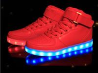 alto, alto, zapatos, estudiante al por mayor-Zapatos Led Hombre USB Light Up Zapatillas Unisex Amantes Para Adultos Niños Casual Estudiantes Deportes Que Brilla Intensamente Con Moda High Top Lights Board Shoes