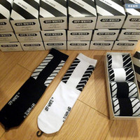 Wholesale Wholesale Blue Striped Socks - Newest 4 Pairs Lot Off White 17F w Men's Black White Stockings Opening Men's Sphort Sockings Opening Men's Sports Socks Casual Socks