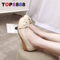 Moda Mulheres Short Heel Wedge Shoes Round Toe Senhora de couro genuíno Shoes Elegant Comfort Girl's Butterfly Shoes ML3441-2