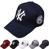 gorras planas al por mayor-Nueva moda gorra de béisbol snapback sombreros gorras para hombres mujeres marca deportes hip hop sombrero de sol plano hueso gorras para hombre barato Casquette