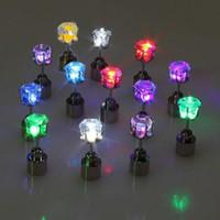 levou brincos de natal venda por atacado-Orelha luminosa Studs Coloridos LED Light Up Brincos de Diamante Brilhando No Ouvido Escuro Anel Para Decoração de Natal 2 8md B