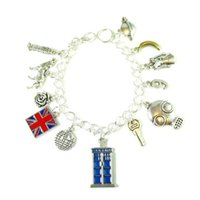 12pcs Bracciale ispirato a Doctor Who 9th Doctor tardis Charm Bracelet in argento con braccialetto Christopher Eccleston Charms