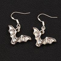 chauve-souris antique achat en gros de-Flying Bat animaux Boucles d'oreilles 925 argent poisson oreille crochet 40 paires / lot Antique argent lustre E979 32.6x23.9mm