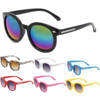 vasos de plástico para niños al por mayor-Al por mayor-Bebé Niño gafas de sol Marco de plástico Niños Gafas Gafas Niños Grils Al aire libre UV400 Ronda Gafas de sol Oculos infantil Gafas Y1