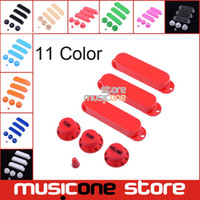 Stratégie De Gros Pas Cher-Wholesale- 1 set Solid 3 Single Coil Pickup Cover 2 Tone 1 volume konbs et Switch Tip Plastiques fermés pour FD Strat Guitar 11 couleur fournissent