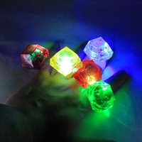 500pcs Fashion Multi Color Large Diamond Flashing Finger Ring Led Light Up Kids Growing Ring Wedding Party Favors Brinquedos