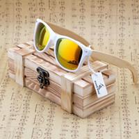 espejo de bambú enmarcado al por mayor-Al por mayor-BOBO BIRD Nuevo 2016 para mujer para hombre de bambú gafas de sol de madera marco blanco con revestimiento Mirror UV 400 lentes de protección en caja de madera