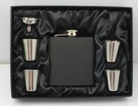 flasche oz geschenk großhandel-Matt schwarz 6 oz Flachmann Geschenkset mit 4 Tassen und einem Trichter