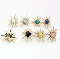 цветные кольца оптовых-Мода 8 цветные натуральный камень кольца кварц tophus Gem Кристалл Камень Солнце радиальный узор подвески кольца для женщин