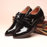 italienische schwarze lackleder herrenschuhe großhandel-Designer-Kleid Oxford Schuhe für Männer Krokodilleder Schuhe Herren italienische Lackleder schwarze Schuhe Zapatillas Hombre Sapato sozialen