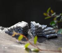 mini resina casas venda por atacado-Modelo de resina Mini Simulação Escadas Jardim de Fadas Miniaturas DIY Doll House / Terrarium / Micro Moss Paisagem Decoração