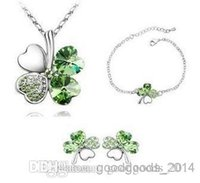 Wholesale Austrian Crystal Clover Leaf - Austrian crystal jewelry Clover Parure sweet four-leaf Earrings bracelets and necklaces Swarovski Crystal Elements Jewelry Set z097