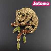 Único Monkey Animal Brown Austria Crystal Gold-Tone Brooch