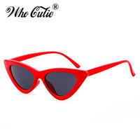 lentille rouge lunettes de soleil femmes achat en gros de-2018 Triangle Petit Oeil De Chat Lunettes De Soleil Sexy Femmes Océan Film Objectif Classique Cateye Cadre Noir Rouge Teinte Lunettes De Soleil Polit Optical Shades