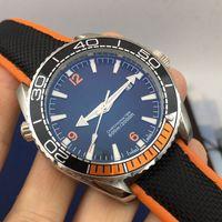 relojes automáticos de bajo precio para hombre al por mayor-Relojes de diseñador NUEVO Precio más bajo Pulsera de cuero de lujo Automático de alta calidad para hombre Madel Reloj Hombres Relojes deportivos