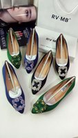 Wholesale In the new fashion sexy pointed flat shoes satin and satin are