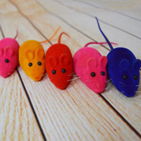 Wholesale toy rats wholesale - Colorful Little Flocking Mouse Funny Toy Noise Sound Squeak Rat Playing Gift For Kitten Pet Cat Play 6*3*2.5cm Free Shipping ZA3928