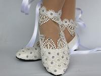 elfenbeinspitze für hochzeitsschuhe großhandel-New Fashion Weißlicht Elfenbein Spitze Kristall flache Ballett Brautkleider Schuhe