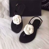 Wholesale AYJ18 Fashion Brand White Camellia Flower Floral Sandals Genuine Leather Flat Heel Sandals Ladies Women Shoes Sz