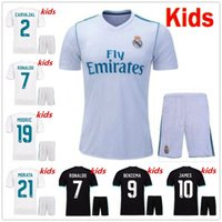 Wholesale youth real madrid jerseys - 17 18 Real Madrid kids soccer jersey kits youth boys child jerseys kits 2017 2018 RONALDO JAMES BALE ISCO football shirts
