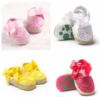 Wholesale crochet fabric wholesale - Spring Summer Baby hollow cotton sandal Girls ribbon bowknot elastic losure crochet pre walkers toddlers soft sole anti-slip prewalker A080