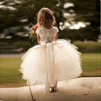 vestido de niña de flores bateau blanco al por mayor-2017 Recién llegado de encaje blanco y tul niña de flores vestido de manga corta Sash Layed Tutu falda niños ropa formal vestidos por encargo