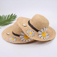 sombrero de ala ancha floral para mujer al por mayor-Moda de ancho Brim verano playa sombreros de sol para mujeres sol flor Bordado de paja grande Sombreros gorras señora vacaciones protector solar plegable sombreros 2017 nuevo