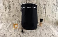 trousse de maquillage écologique achat en gros de-Logo classique Drawstring Gym Bucket Bag Épais Voyage Draw String Sac Femmes Étanche Wash Bag Cosmétique Maquillage Stockage