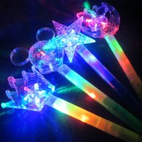 Meninas Meninas LED Varinha Mágica Flashing Light Up Glow Big Sticks Moon Star Butterfly Sticks Suportes de torção Birthday Glow Party Supplies